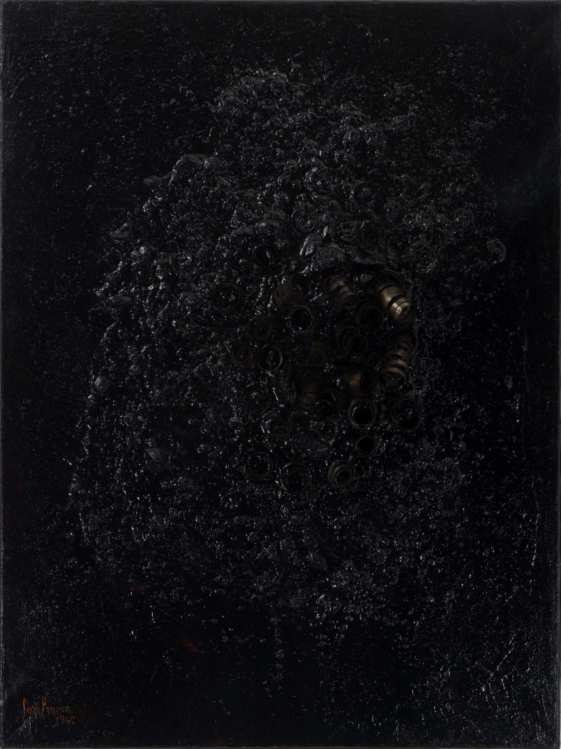 Carol Rama, Bricolage nero, 1965, Mischtechnik mit verschiedene Materialien auf Leinwand, 80 x 60 cm