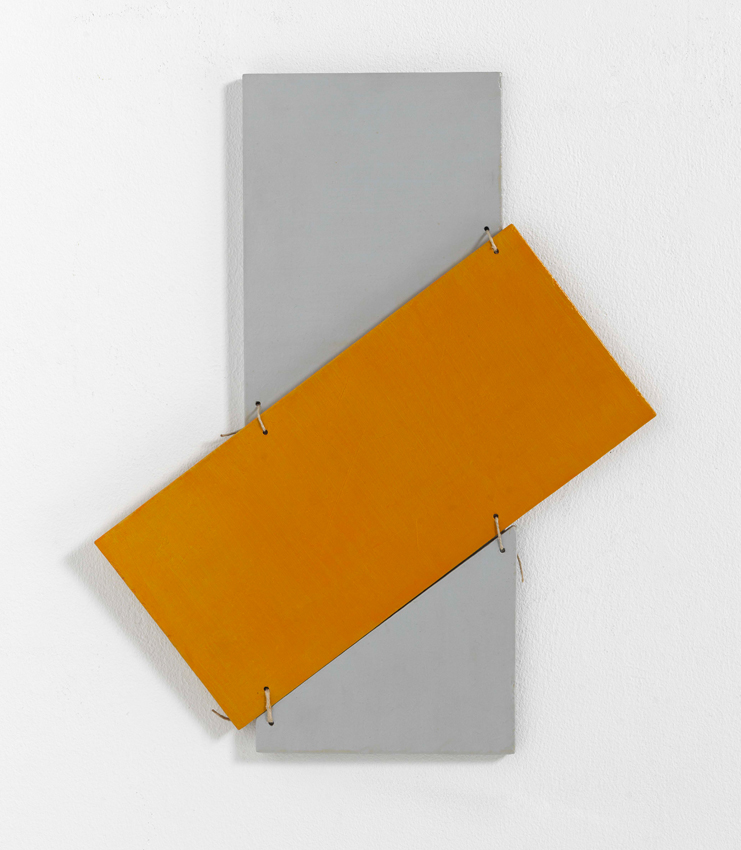 Heinz Butz, Ohne Titel, 1970, Kunstharz auf Spanplatte, Schnur, 47 x 39,2 cm