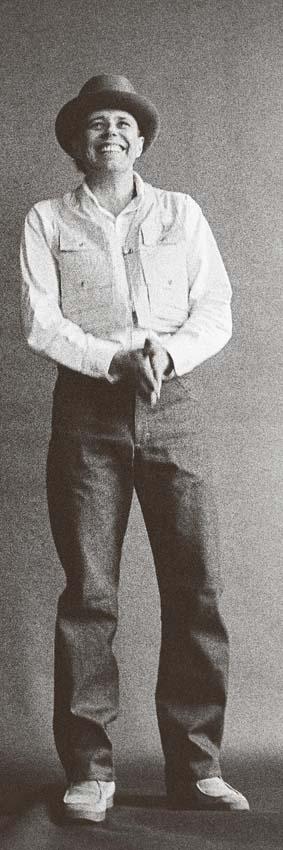 Angelika Platen, Spassgeselle (Joseph Beuys), 1969, Handabzug reanalog Silbergelatine auf Barytpapier, Rahmen: Passepartout 74 x 32 cm