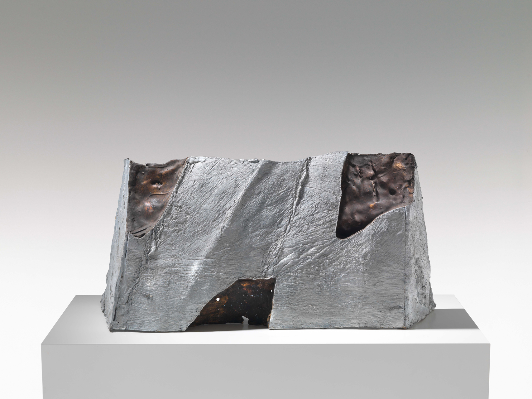 Emil Cimiotti, Schloss Amras, 1992, Bronze, 32 x 68 x 22 cm