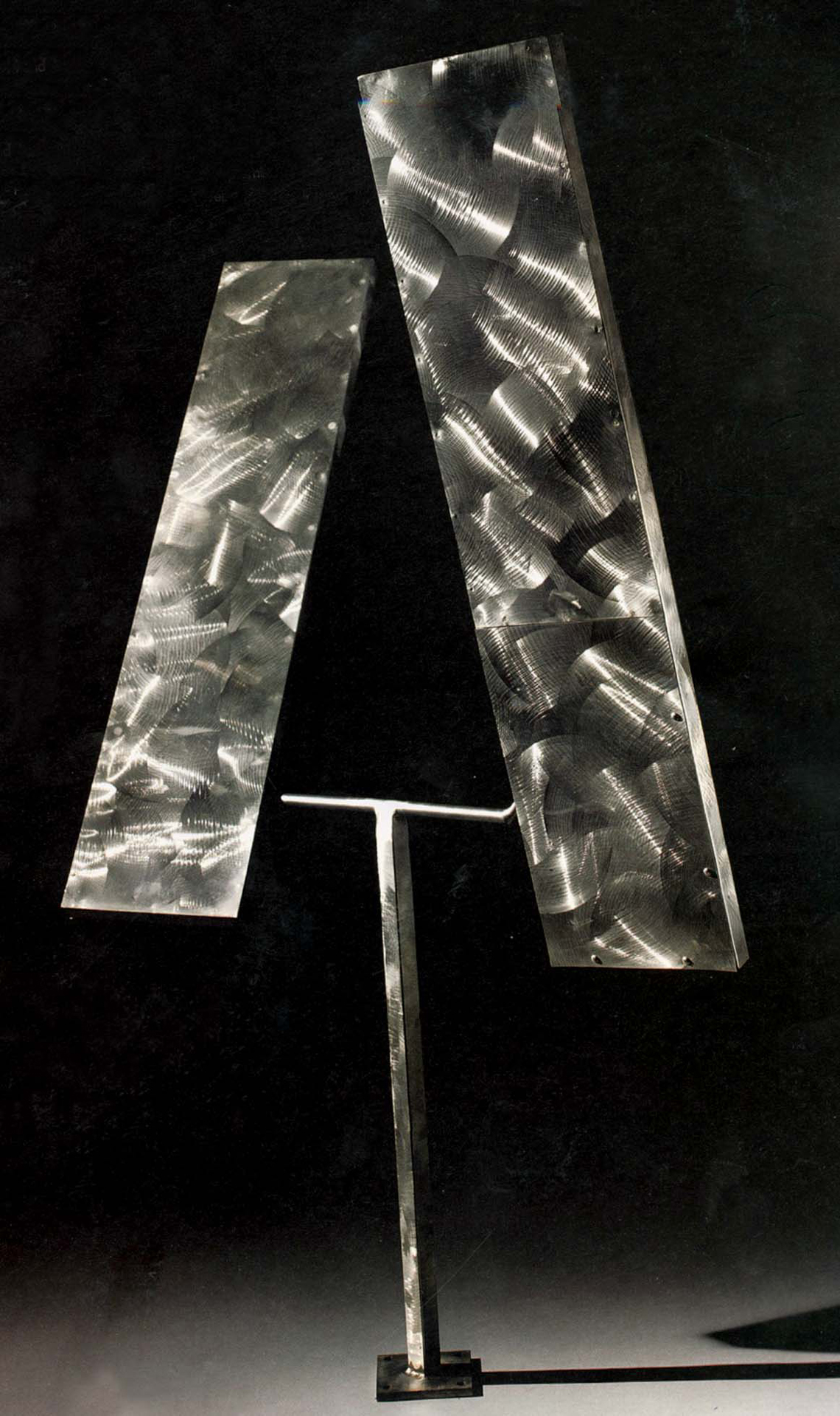 George Rickey, Two Rectangles biased up, 1974, Edelstahl, 137,2 x 77,5 x 91,4 cm