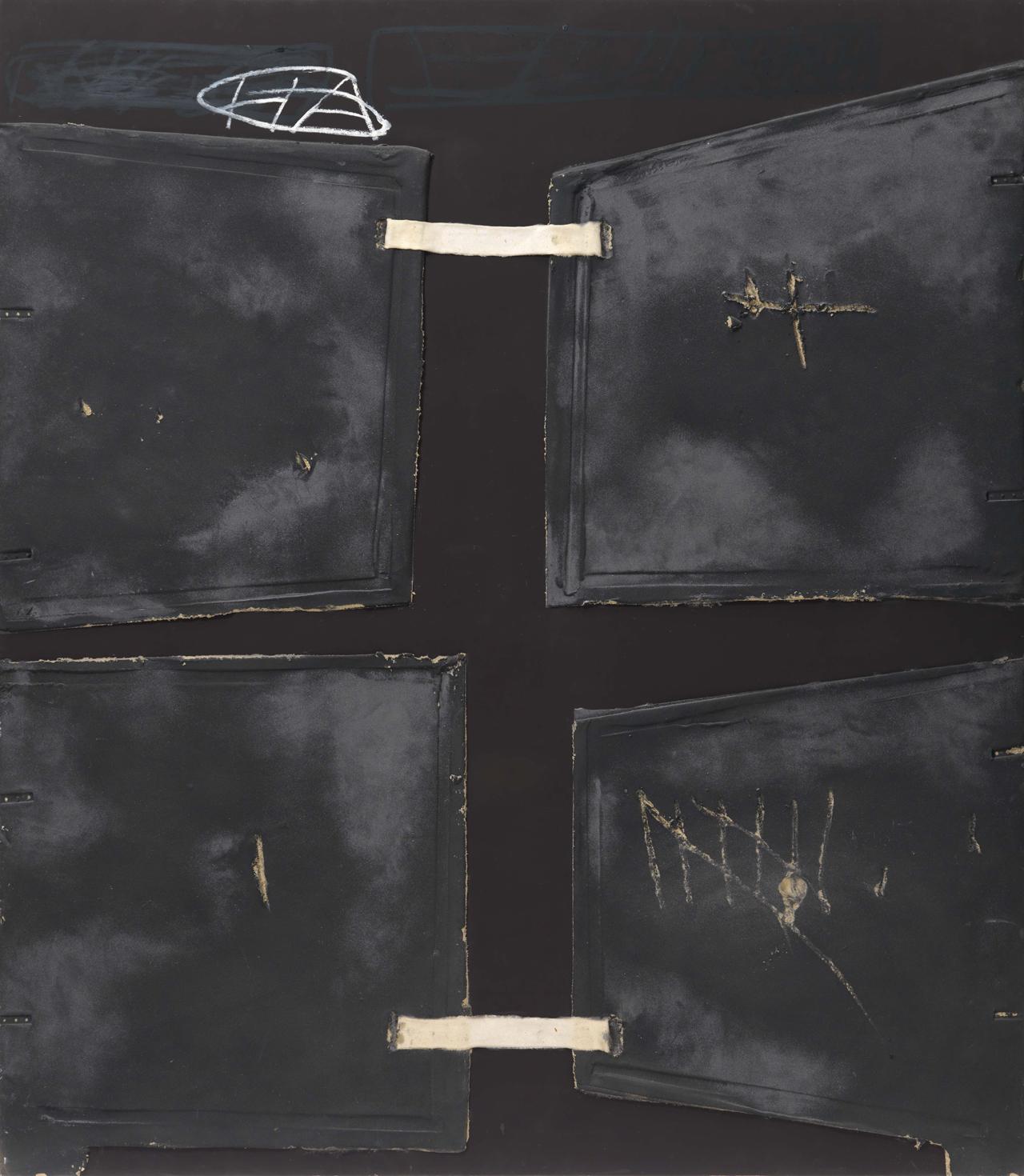 Antoni Tàpies, Quatre formes, 1995, Farbe, Marmorstaub und Collage auf Holz, 200 x 175 cm